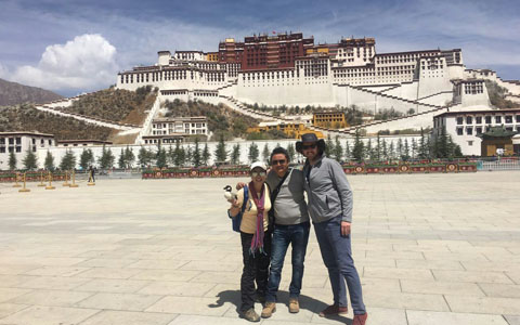 24 Days Splendid Tour in Tibet and Southern Xinjiang