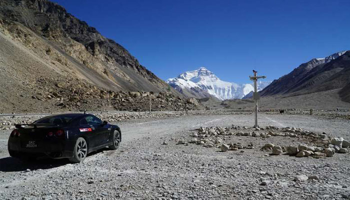 It's cheaper to travel to Everest base camp in Tibet