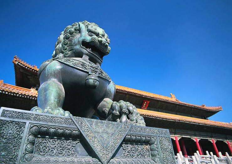 Explore the ancient emperors' life in the Forbidden City.