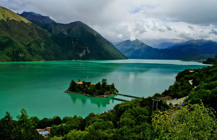 Marvel at the turquoise water of Baksum-tso Lake