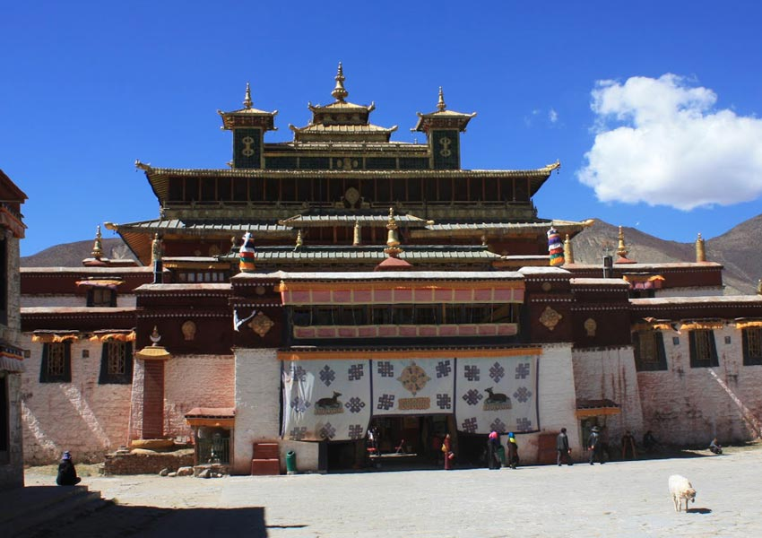 Sakya Monastery is built by coping the structure of Mandala.