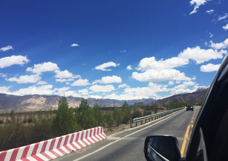 Follow the Friendship way back to Lhasa from Shigatse