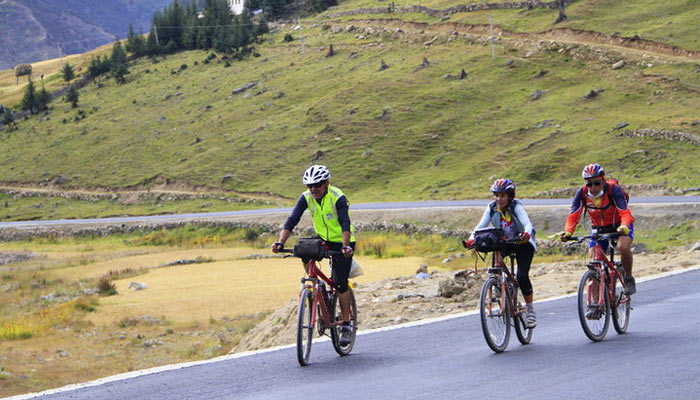 Getting to Tibet by bicycle