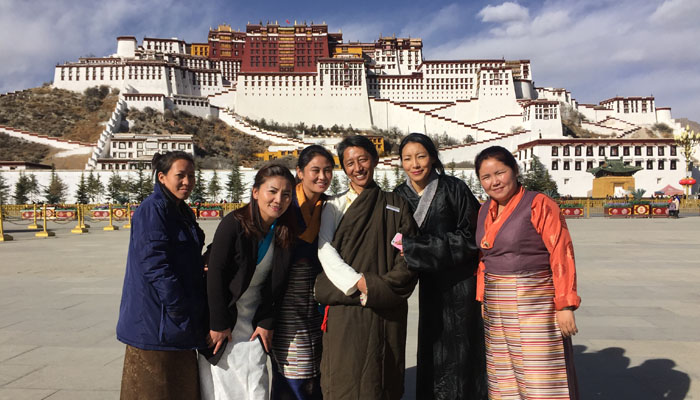 Group photos of our local Tibetan guides