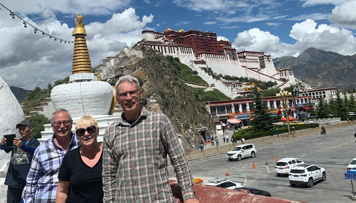 Enjoying the sights of the Potala Palace