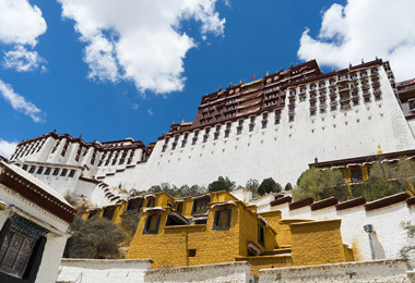 Potala Palace is always the top destination for any traveler to Tibet.