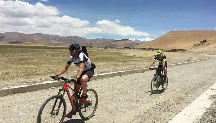 Cycling to Lhasa, Tibet