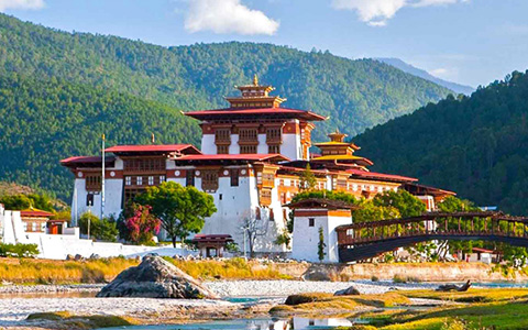 15 Day Best of Tibet and Nepal Tour with Bhutan Cultural Exploration