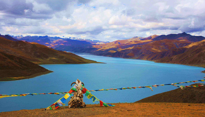 Yamdrok Lake is known for the snow melted crystal blue water