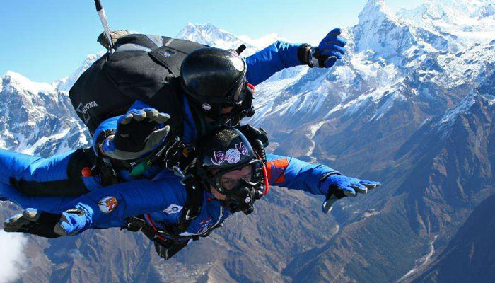 Skydive from the Everest