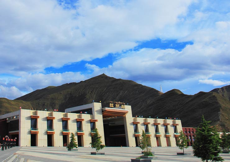 Welcome to Lhasa Railway Station!