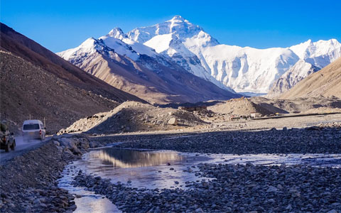 What are the Most Sacred Mountains in Tibet?