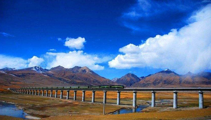 Xining to Lhasa by train via Qinghai Tibet Railway