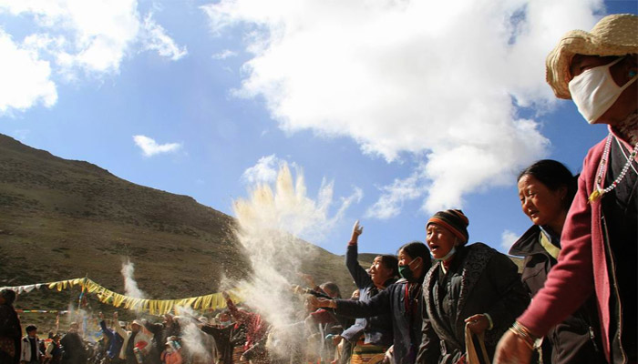 Tibet Saga Dawa Festival in May