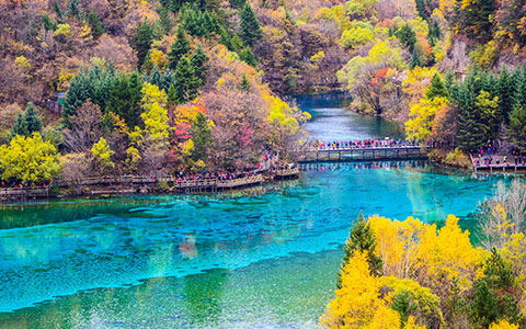 9 Days Fairyland Jiuzhaigou, Giant Pandas & Holy Tibet
