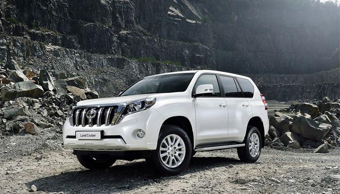 The best car to hire would be land cruiser